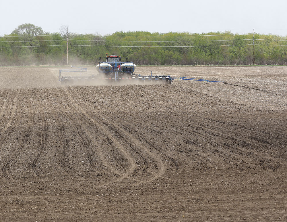 Planting well ahead of schedule for farmers