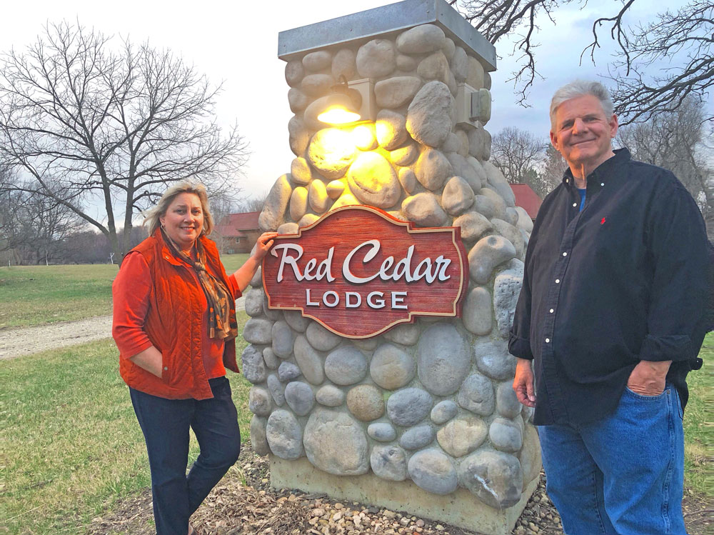 Tom and Lorraine Winterink of Red Cedar Lodge recognized as NIACC Pappajohn Center April Entrepreneurs of the Month