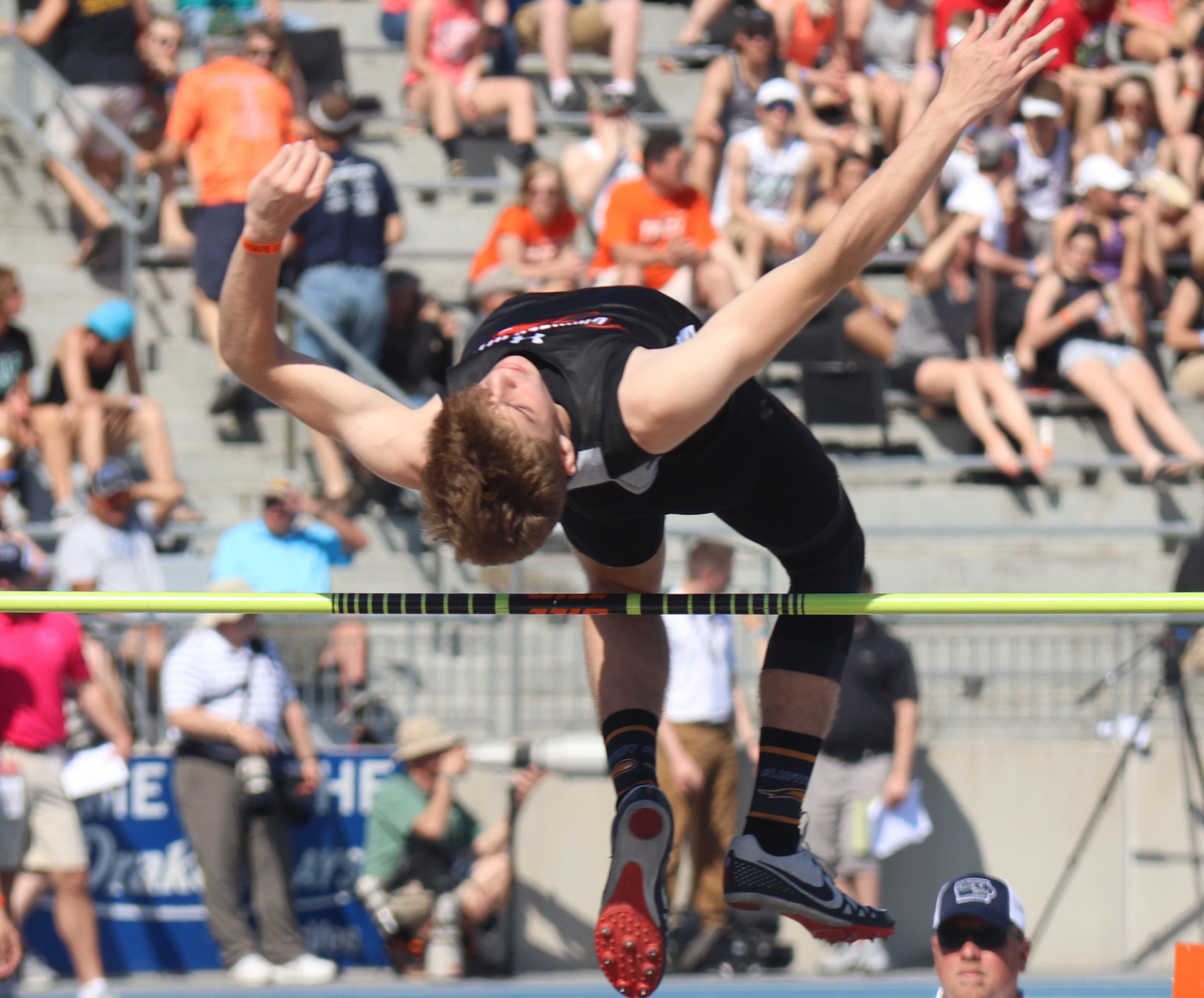 Collins sets school record with 2nd-place jump