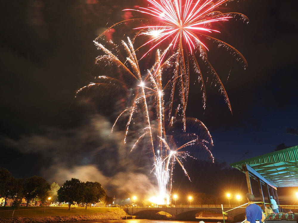 Fireworks added to Holiday Lighted Parade Friday