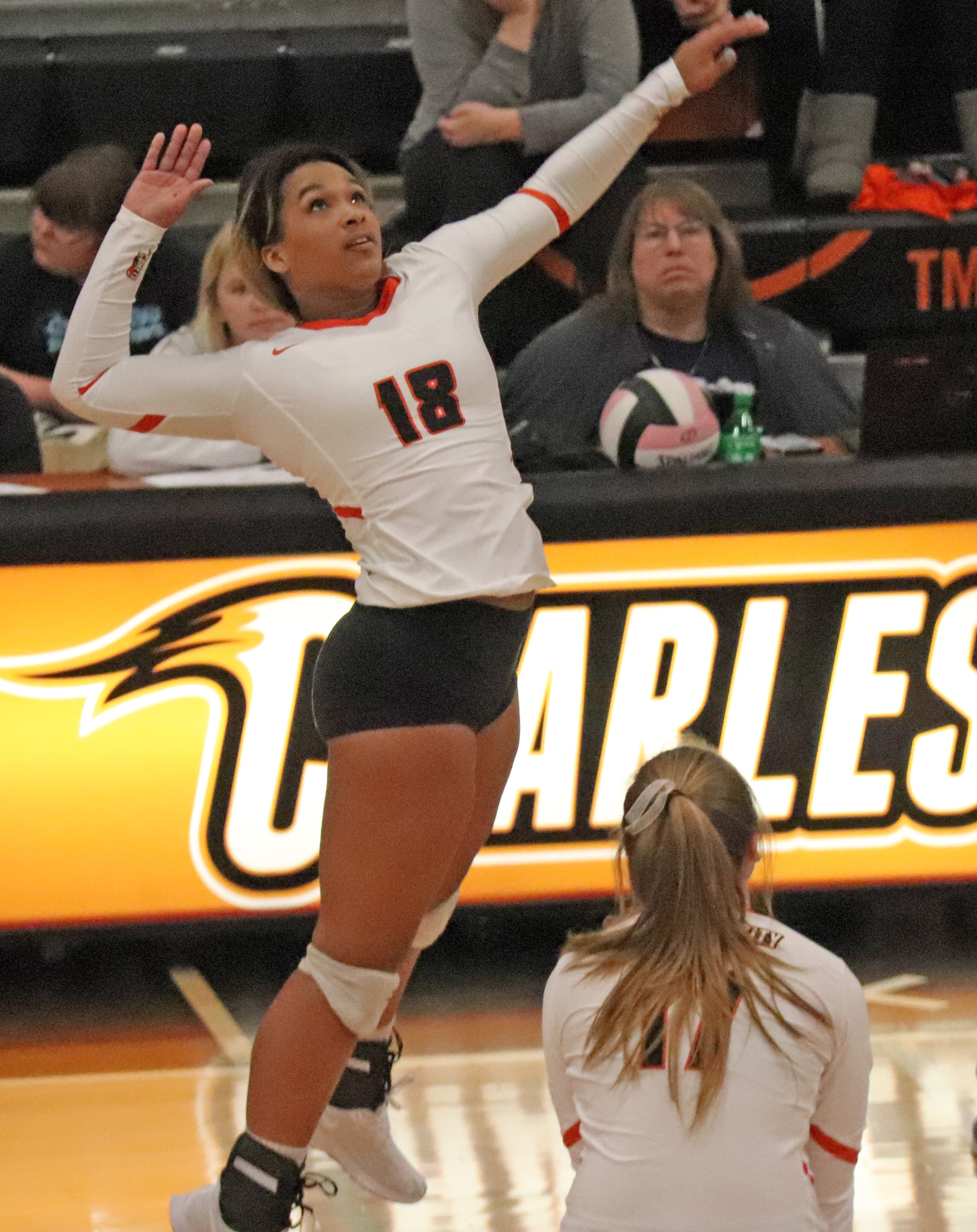 Comets sweep Huskies on VB 'Senior Night'