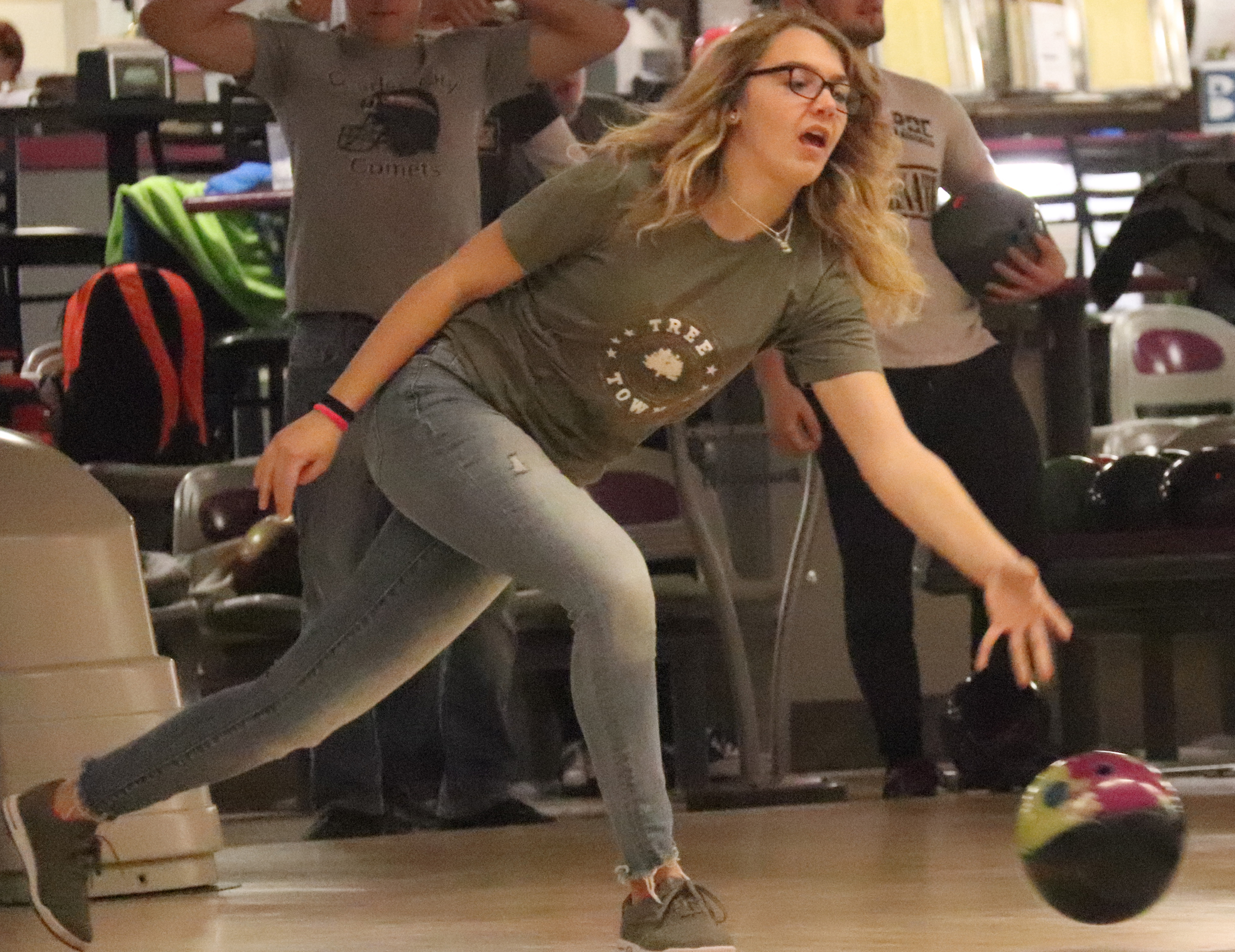 Comet bowling teams look to add to state trophy collection
