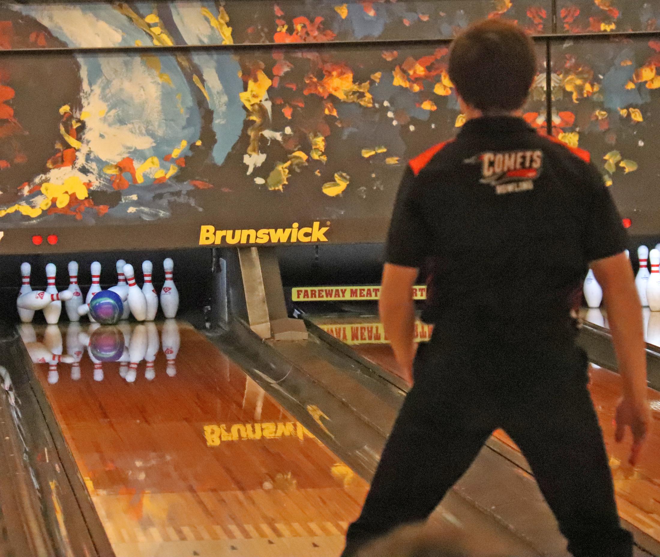 Comet bowlers roll over Go-Hawks in rescheduled meet
