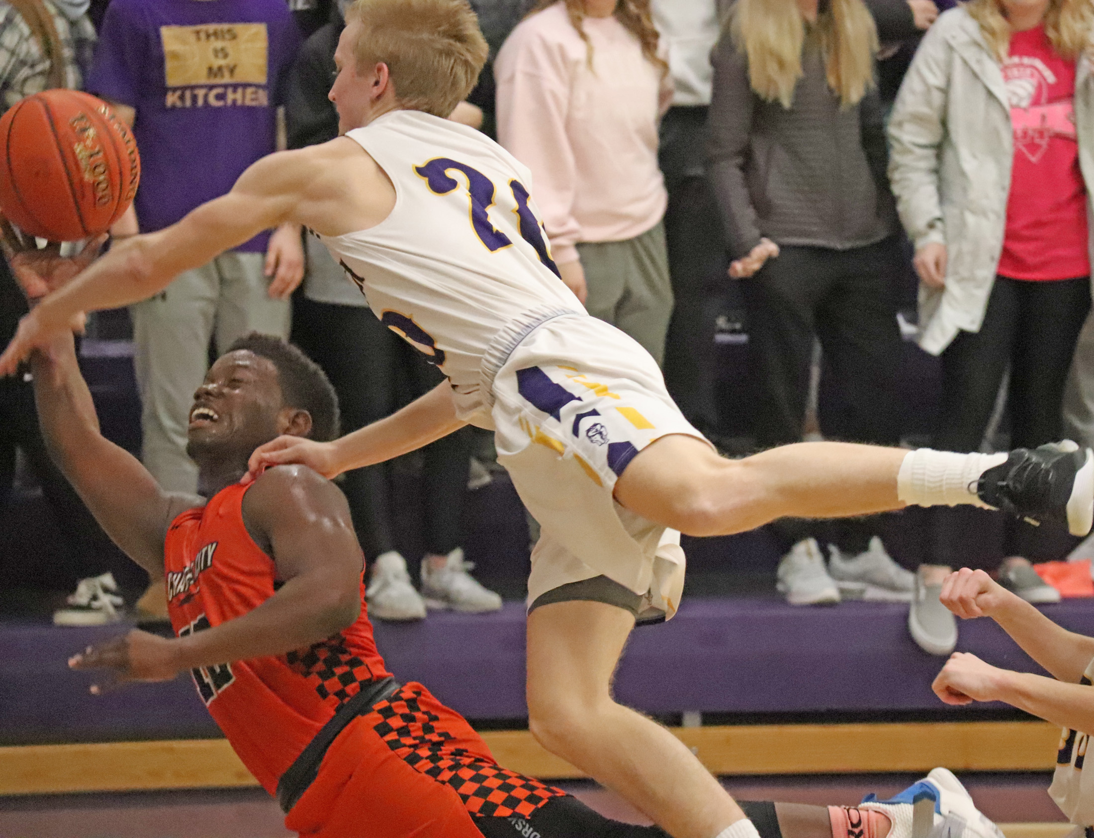 Comet girls reach season-high in points, Comet boys stay atop NEIC with wins over Huskies