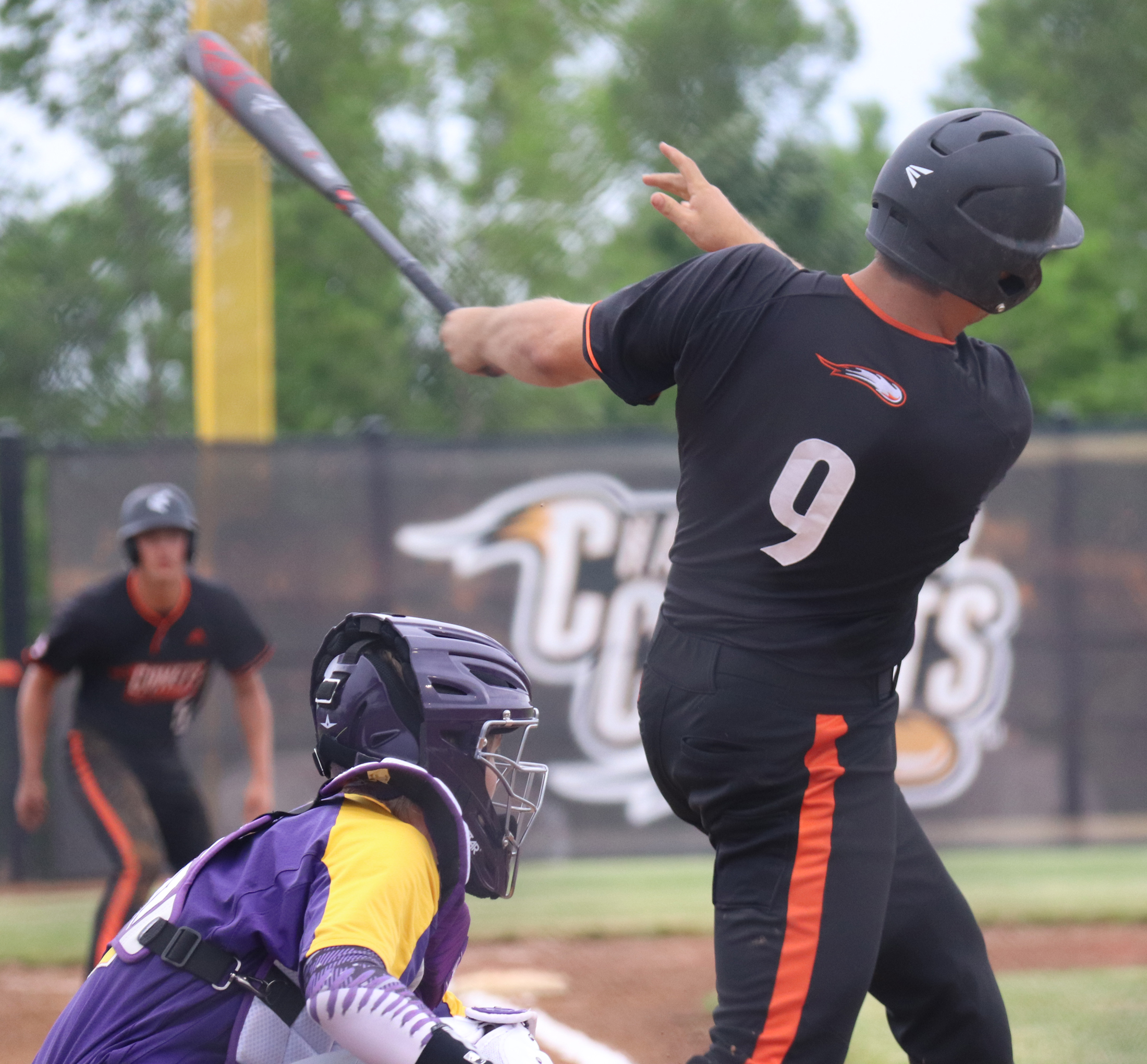 Comets play visitor-hosts in doubleheader sweep of Oelwein