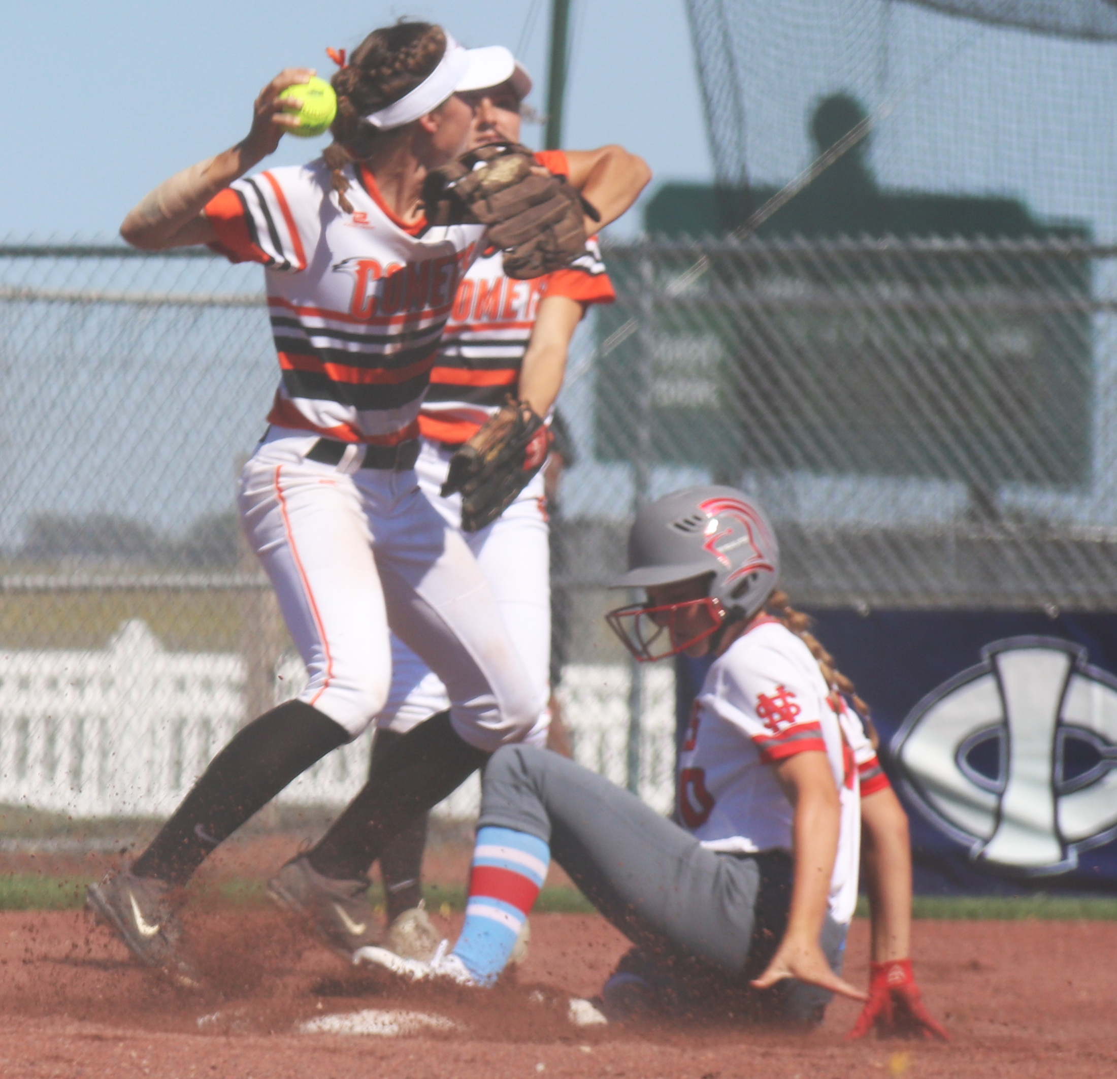 Lancers defeat Comets 11-0 in Class 4A State Softball quarterfinals
